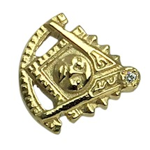 Past Master Lapel Pin  10K YG w diamond