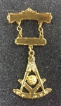 Past Master Swinger Jewel. Gold Filled. Two bars with Square & Compass, Quadrant & Sun.