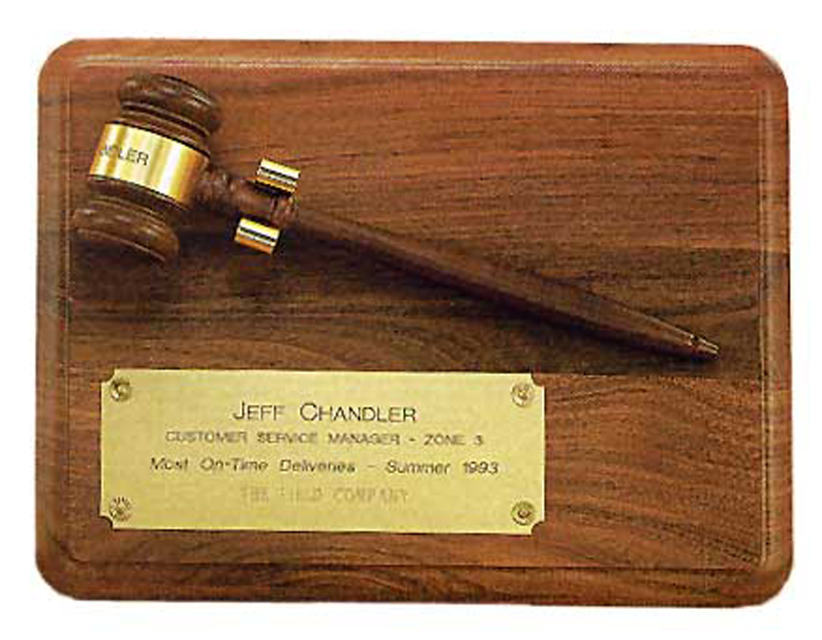 Mens-Walnut-Plaque-with-removable-Gavel-P3947.aspx