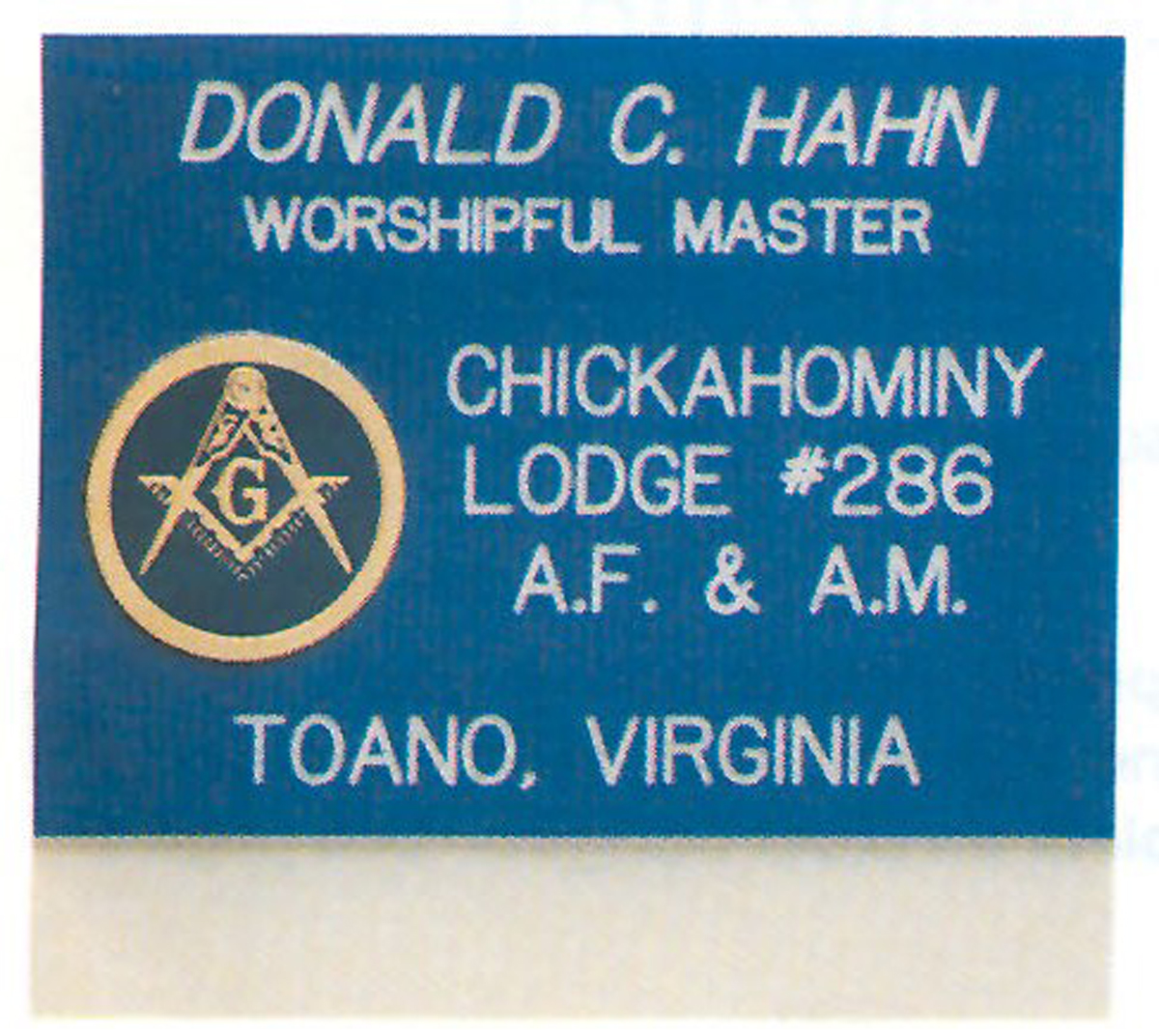 "Slip-on Pocket Name Badge w/ Disc Emblem- 3"" x 2 3/4"""