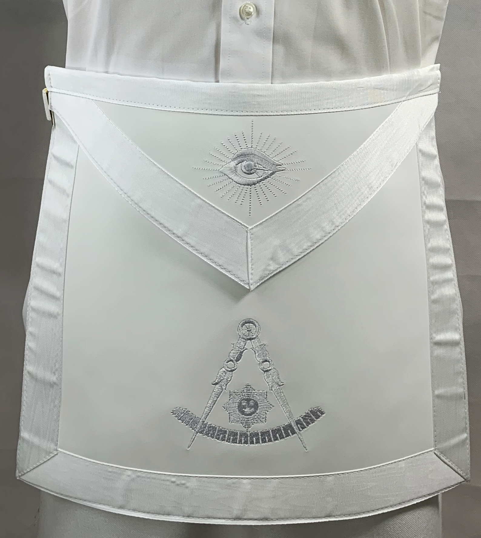 Past Master Apron ALL WHITE w Belt - only one